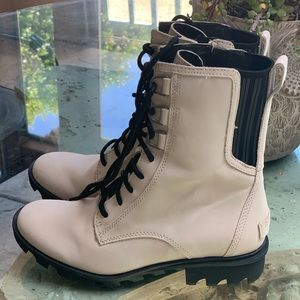 Sorel Ivory Suede Combat Boots size 8.5 NEW no box